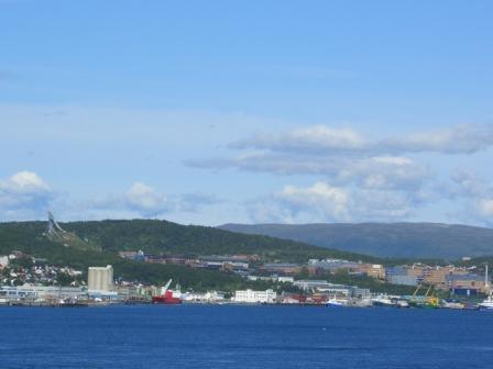 Nord-Tromsøya (vor den Schanzen liegt die Uni)