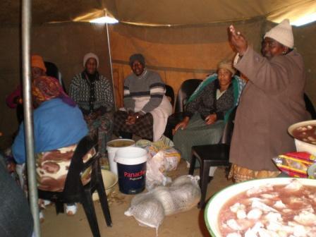 Essen zubereiten für 100e von Gästen